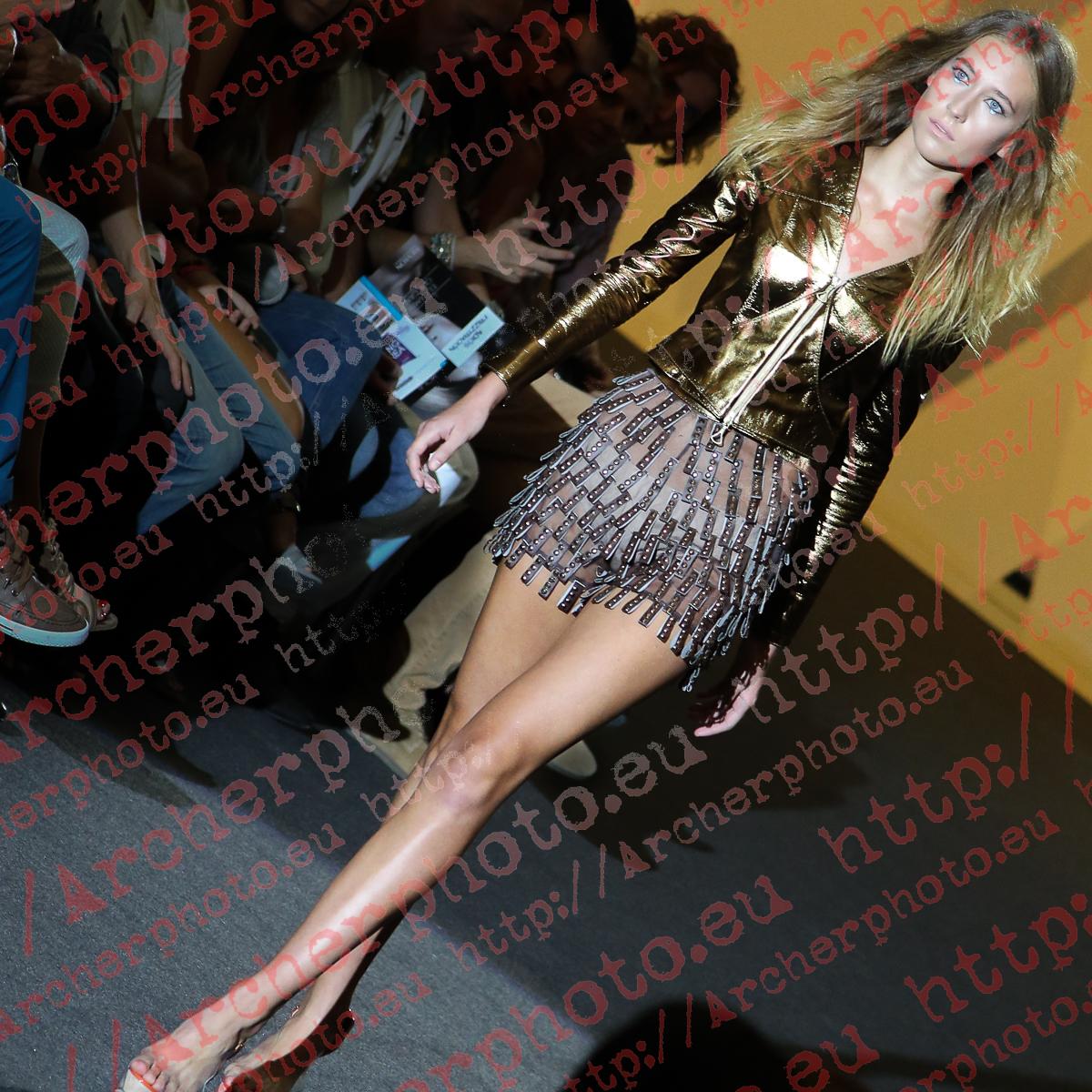 Anna Buis in Miguel Vizcaíno, Valencia Fashion Week September 15th 2012