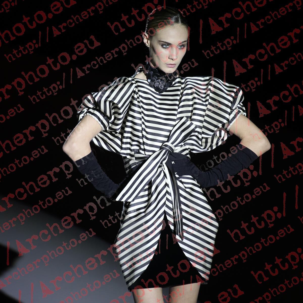 Elena Santamatilde in Mompó, Valencia Fashion Week February 2nd 2011
