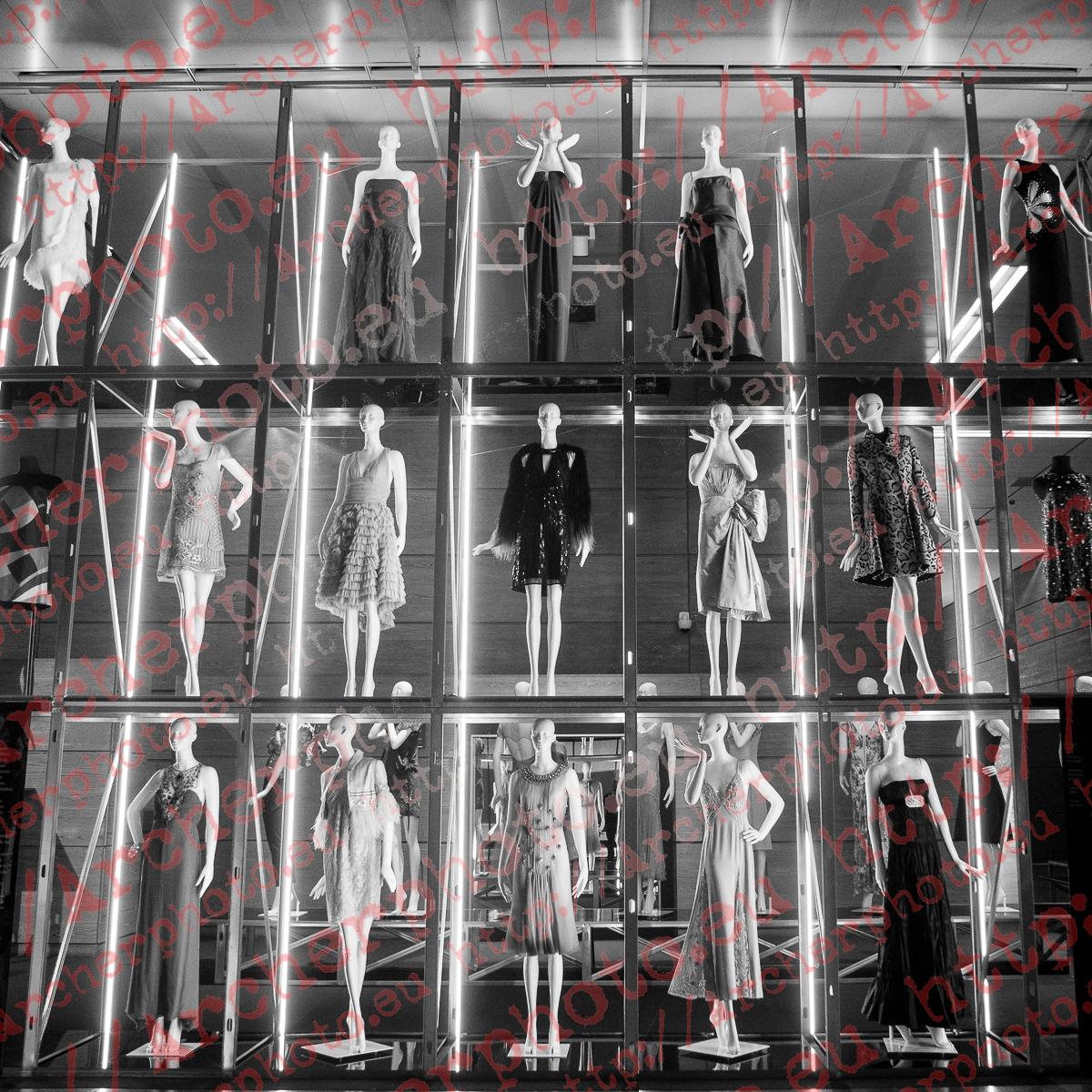 Museo del traje, Madrid. El armario de Carmen Lomana.,fotógrafo en Madrid,fotografo