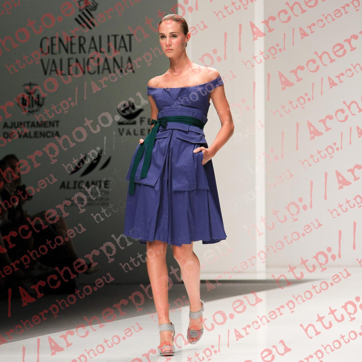 Elena Santamatilde in Ion Fiz, Valencia Fashion Week September 4th 2008