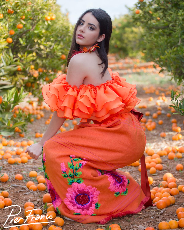 Ángela H. en 2017 con vestido rústico naranja de Pier Franco, foto de Archerphoto, fotografos Valencia