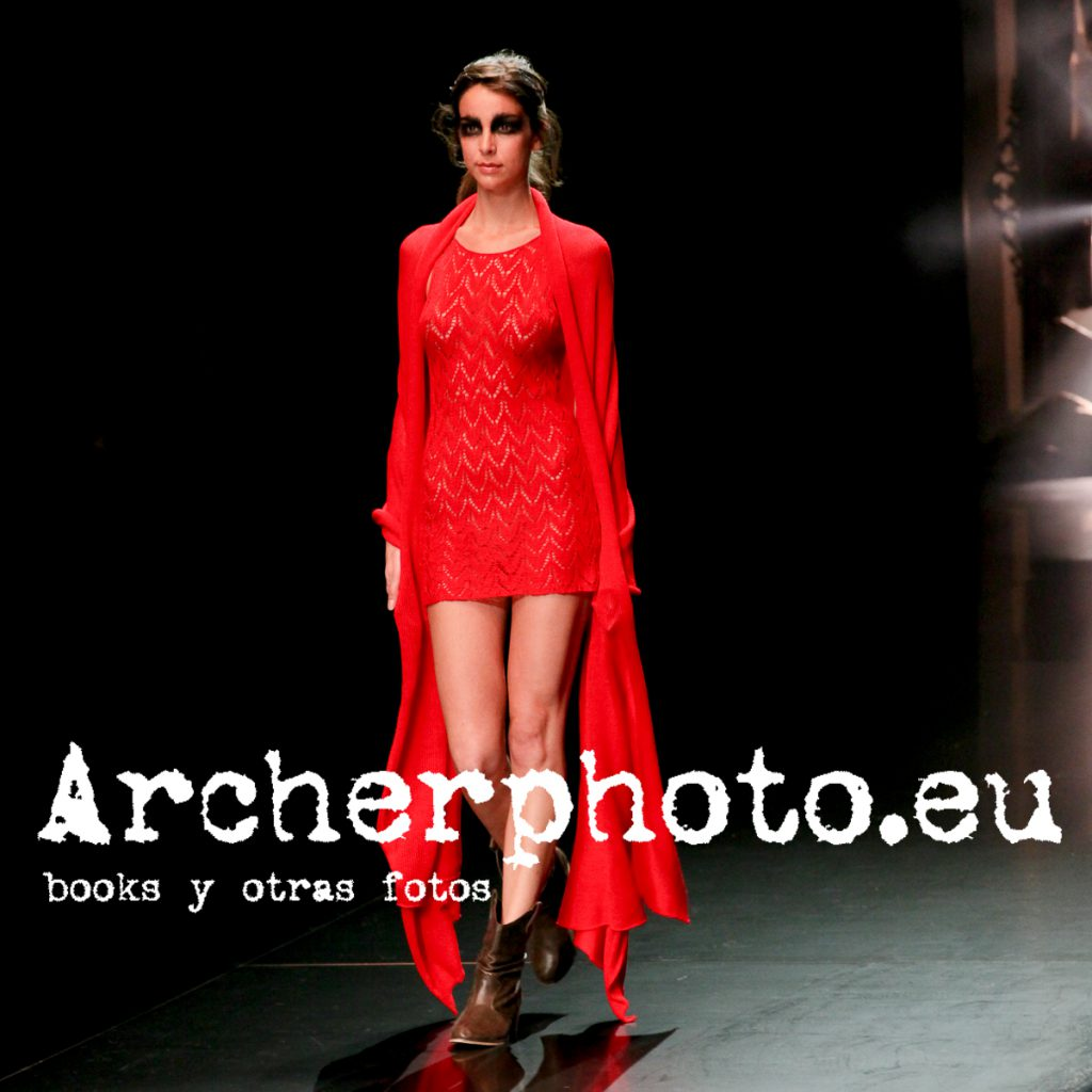 Andrea Rodrigo in Ramón Gurillo, Valencia Fashion Week, September 3rd 2009 by Archerphoto, professional photographer in Spain