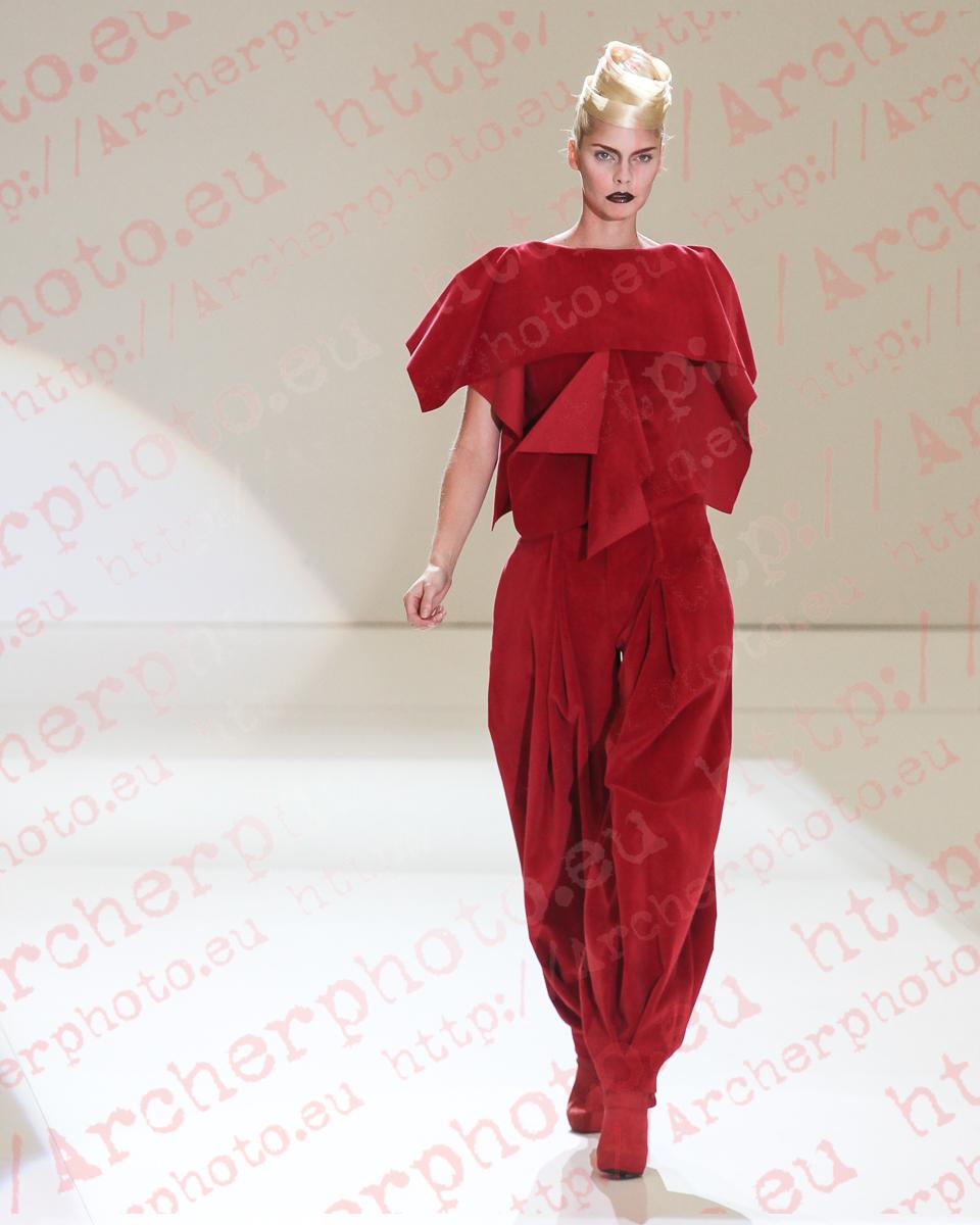 Anna Tunhav in Jaime Piquer, Valencia Fashion Week, by Archerphoto, professional photographer in Spain