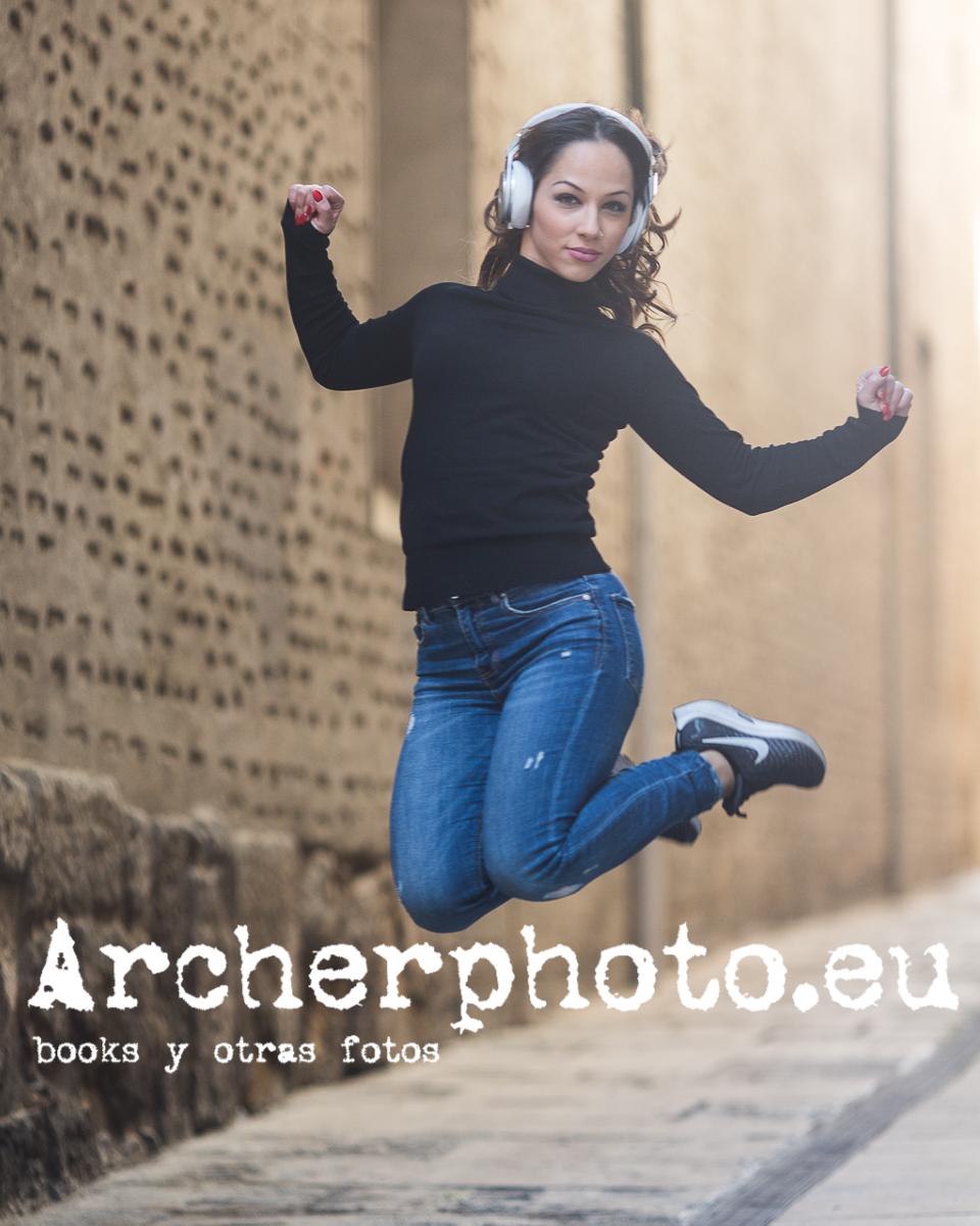 Andrea Vidaurre Dancing In The Street 6
