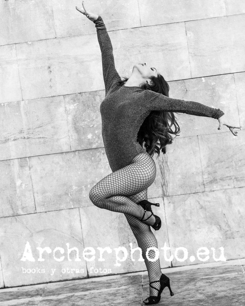 Andrea Vidaurre Dancing In The Street 7, fotografia de danza por Sergi Albir, fotografo en Valencia