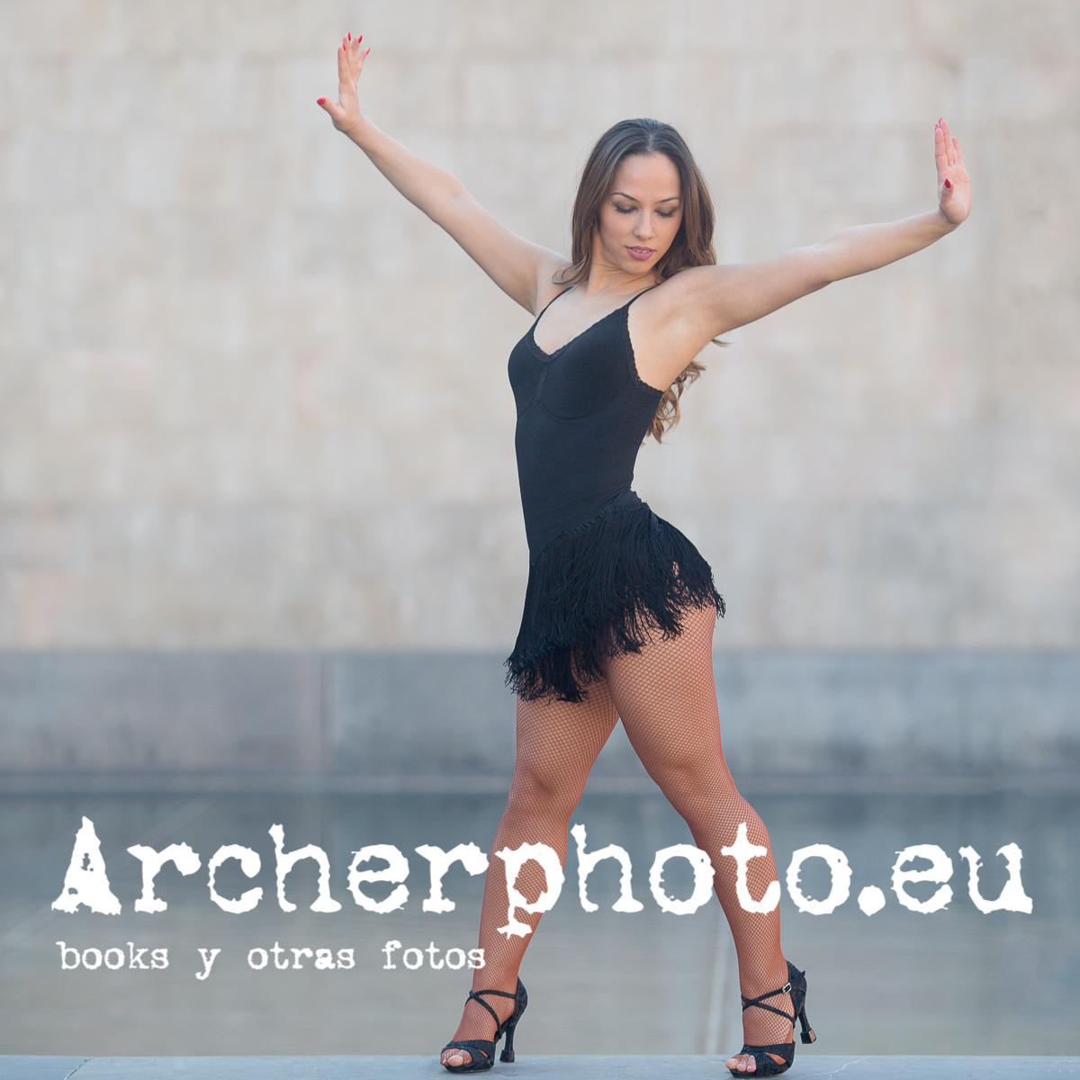 Andrea Vidaurre Dancing In The Street 9, fotografía bailarina por Archerphoto, fotógrafo profesional Valencia, Madrid, Alicante, Barcelona