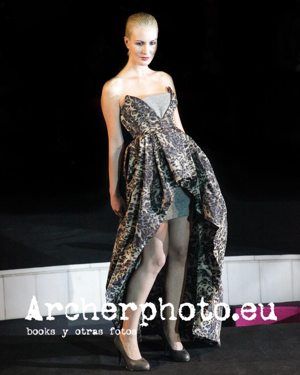 Itziar Górriz, Valencia Fashion Week, February 4th 2010. Photographer: Sergi Albir