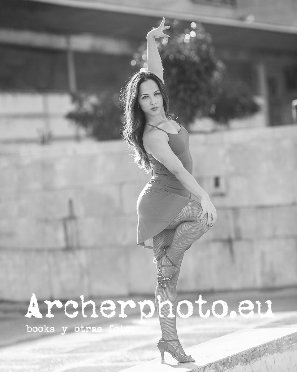 Andrea Vidaurre bailando, imagen deFotógrafo profesional Valencia Archerphoto