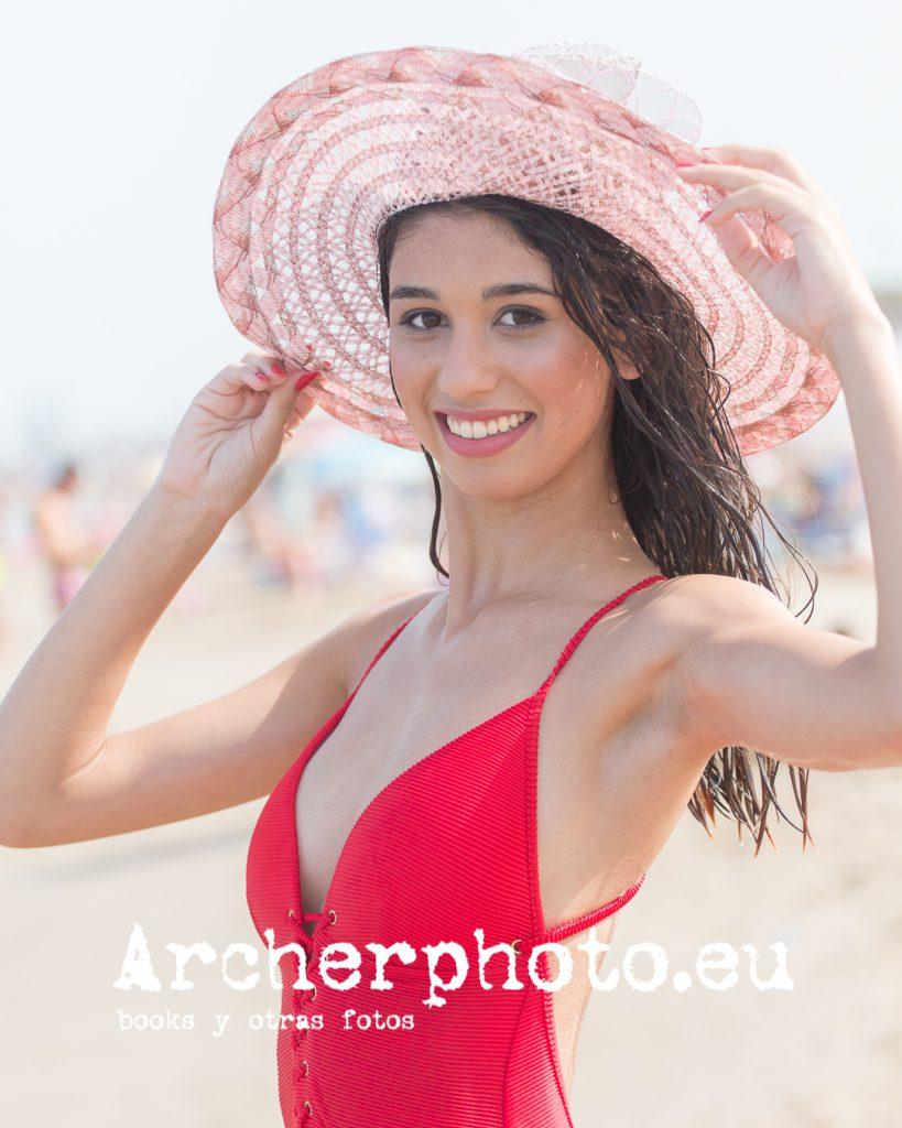Sònia, 2019 (2), retrato con un bañador rojo por Archerphoto, fotografía profesional y books en Valencia.