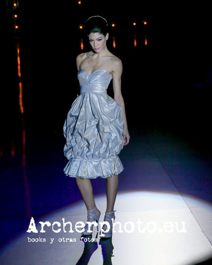 Sara de Antonio in Hannibal Laguna, Valencia Fashion Week, February 5th 2009 by Archerphoto, professional photographer