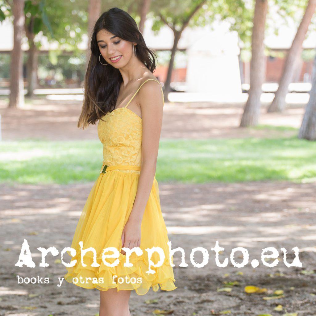 Sònia, 2019 (4) con un vestido amarillo en el antiguo cauce del Turia por Archerphoto, fotógrafo Valencia,