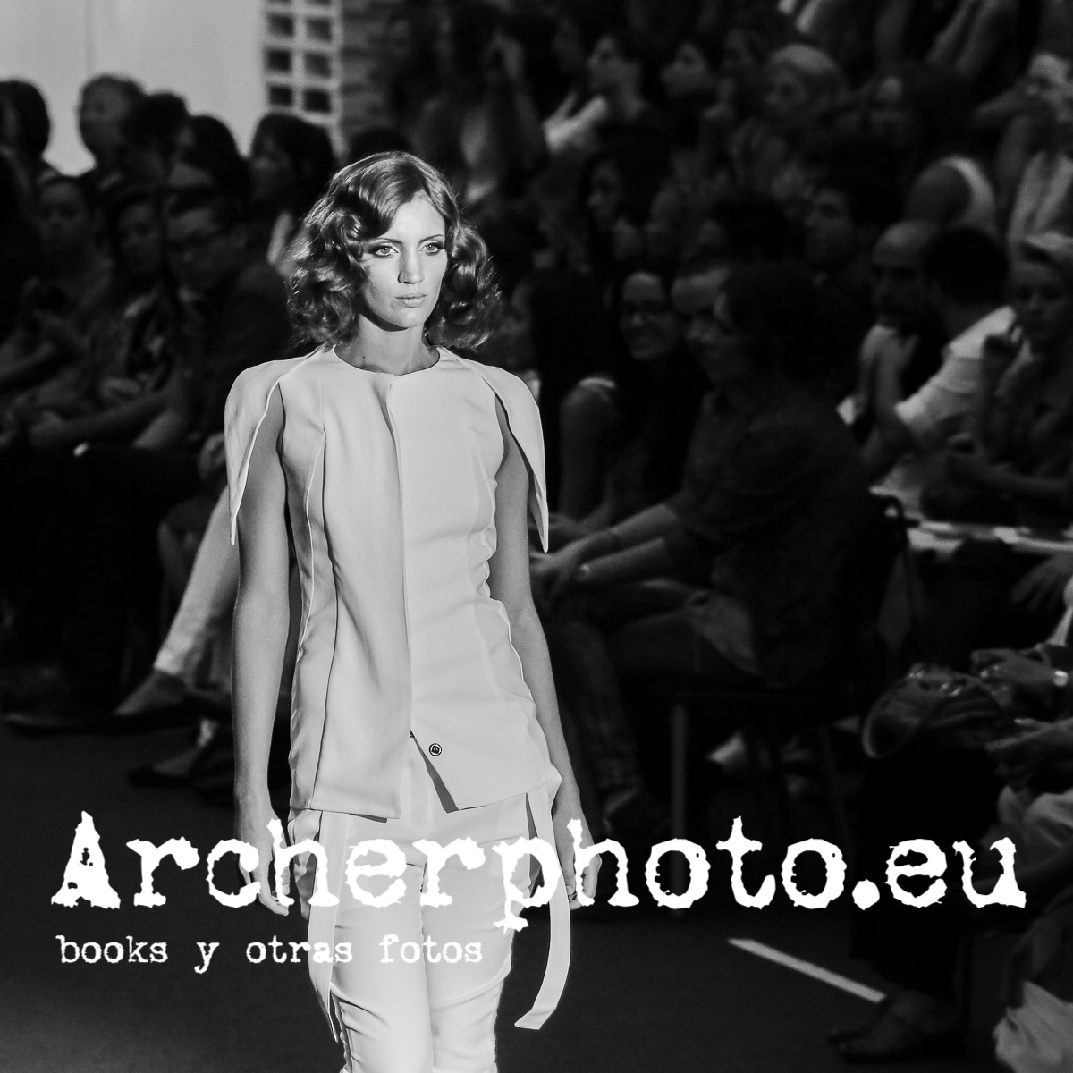 Luisina Coral in Moisés Castañeyra Valencia Fashion Week, February 13th 2012 by Archerphoto professional photographer