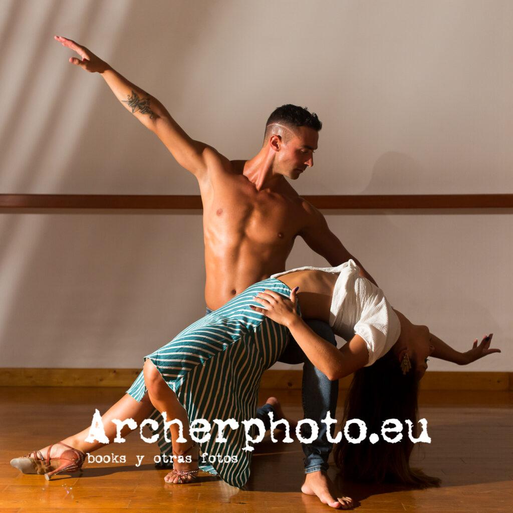Andrea Vidaurre and Leandro Erni (9) by Archerphoto, dance photographer in València.